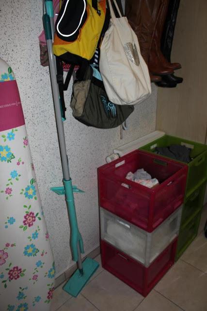 Je Eine Kiste Fur Schwarz Weiss Bunt Handtucher Jeans Bettwasche Oder Anderes Anders Bekomme Ich Die Schmutzwasche Von 5 Personen Nicht In Den Griff