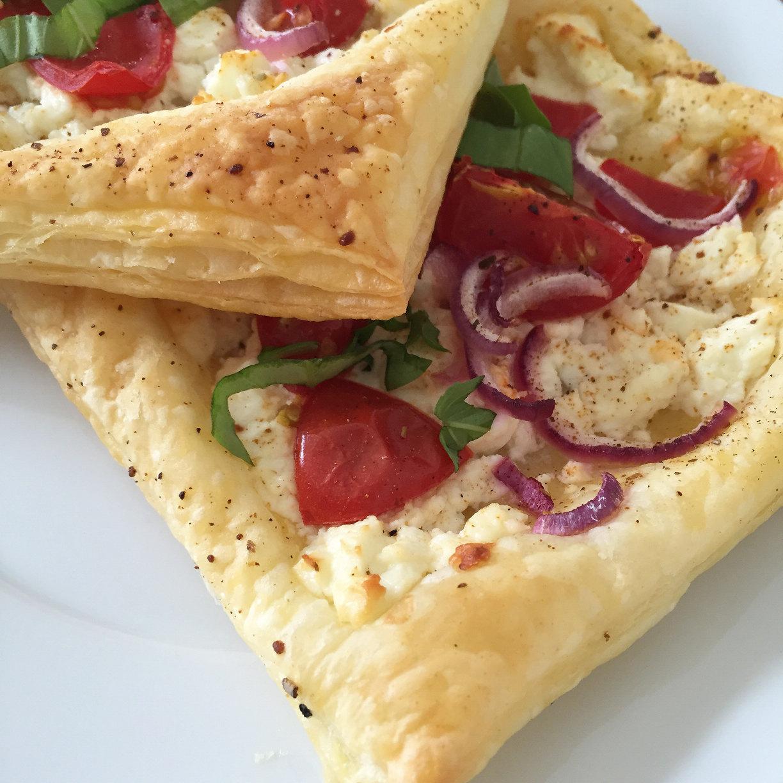 fräulein-ordnung-blätterteigpizza