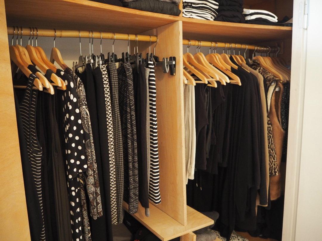 frauen und ihre kleiderschr nke edition 08 fr ulein ordnung. Black Bedroom Furniture Sets. Home Design Ideas