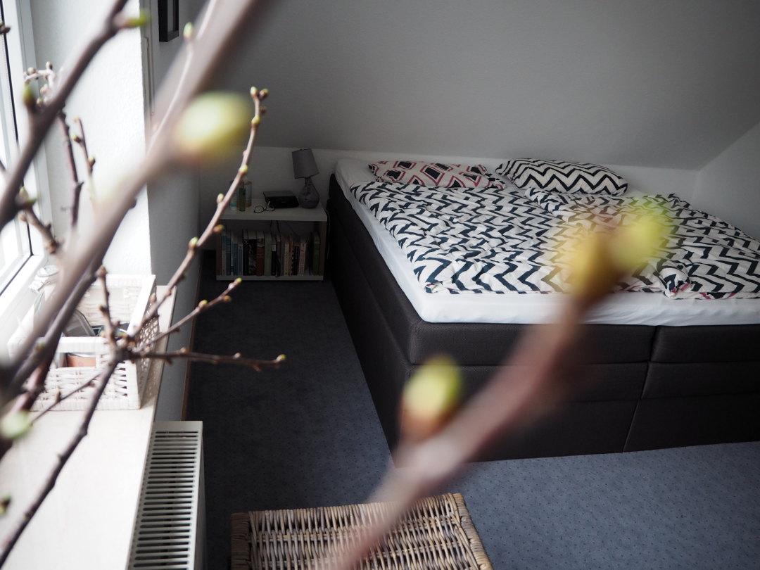 tipps f r ein gem tliches schlafzimmer und einen sch nen. Black Bedroom Furniture Sets. Home Design Ideas