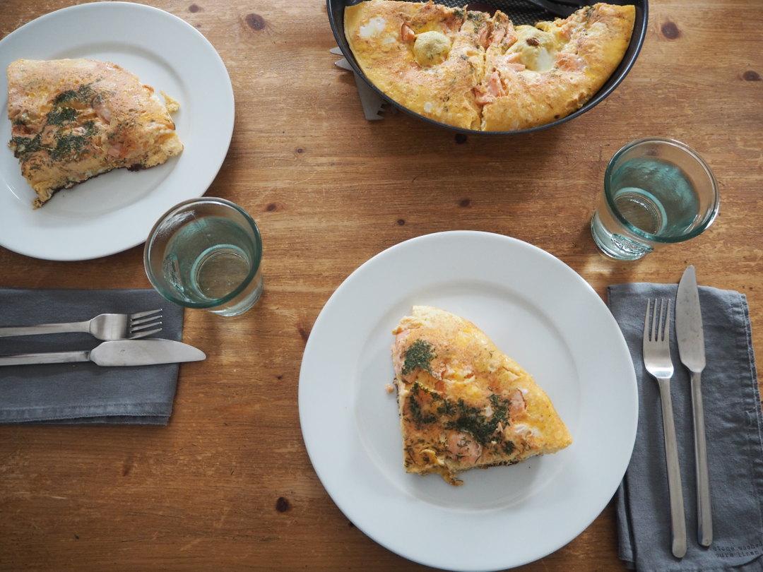 Omelett mit Lachs und Dill