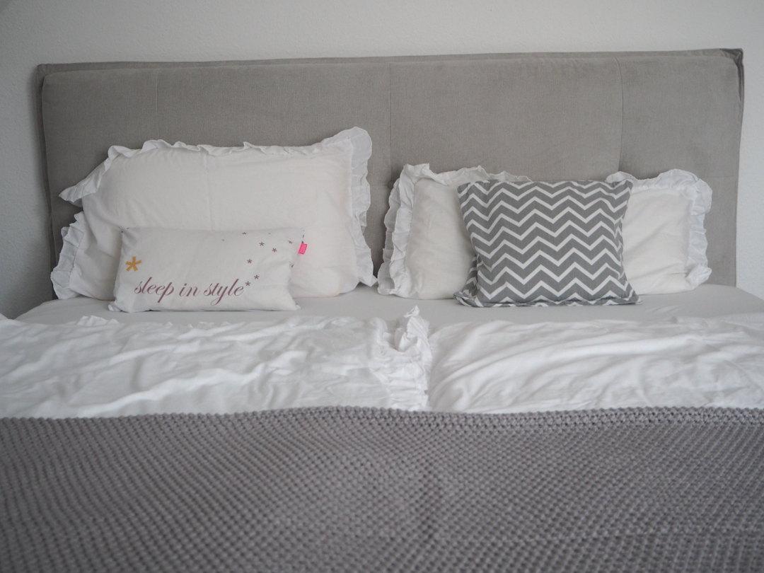 sch ner schlafen im neuen bett von otto fr ulein ordnung. Black Bedroom Furniture Sets. Home Design Ideas