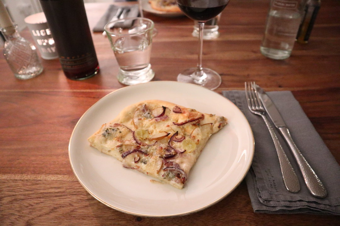 Pizza Bianco Valentinstag