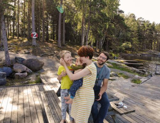 mit zwei kleinen Kindern